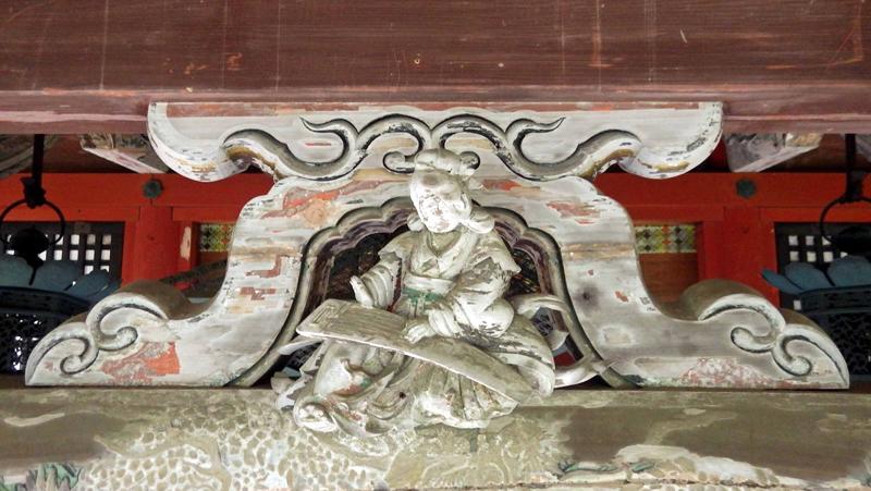 本殿蟇股彫刻 修理前.jpg